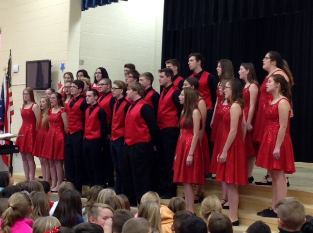 photo of the THS Choir Assembly
