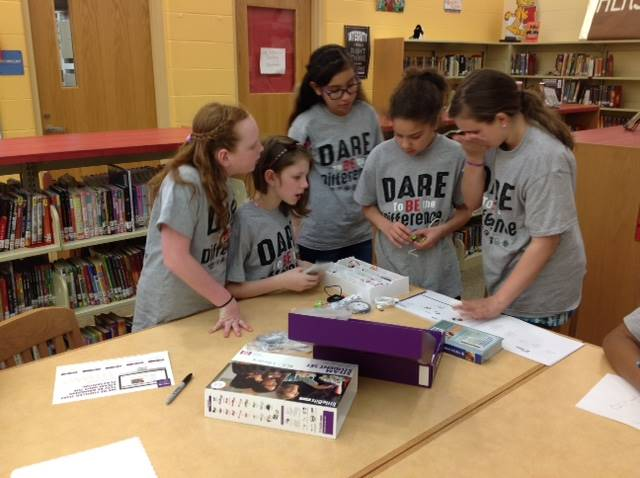 5th grade D.A.R.E. graduates explore STEAM concepts with a LittleBits kit in the library
